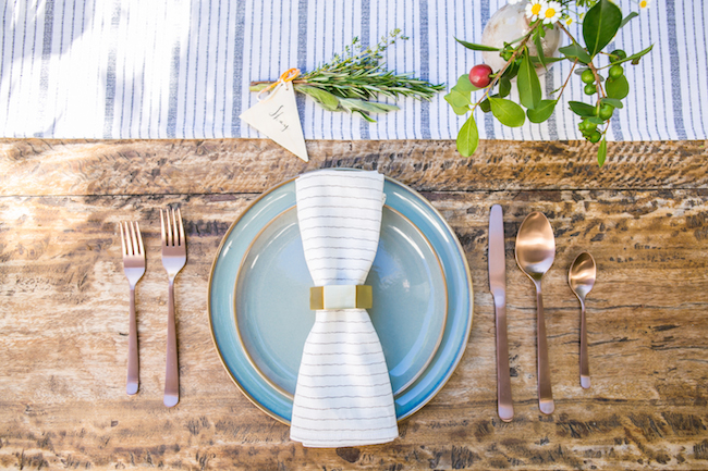 Table setting inspiration | Flatware inspiration | Rustic table setting | The School of Styling - http://www.theschoolofstyling.com