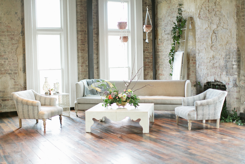 Living room inspiration | Creative workshop classroom design | The School of Styling Nashville - A three-day hands-on workshop for creative entrepreneurs. http://www.theschoolofstyling.com