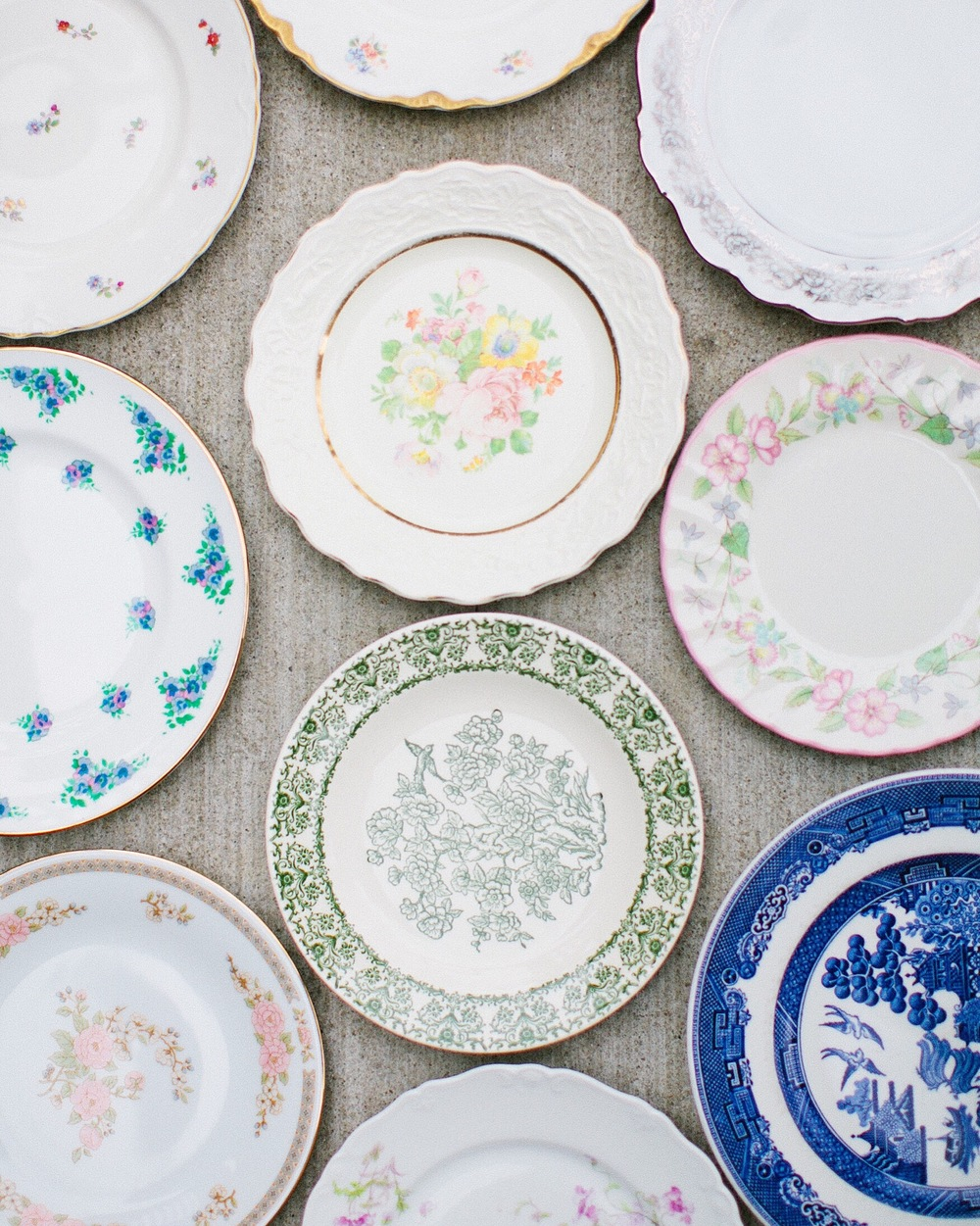 Fine china | Floral plates | Dinnerware inspiration | The School of Styling Nashville - A three-day hands-on workshop for creative entrepreneurs. http://www.theschoolofstyling.com