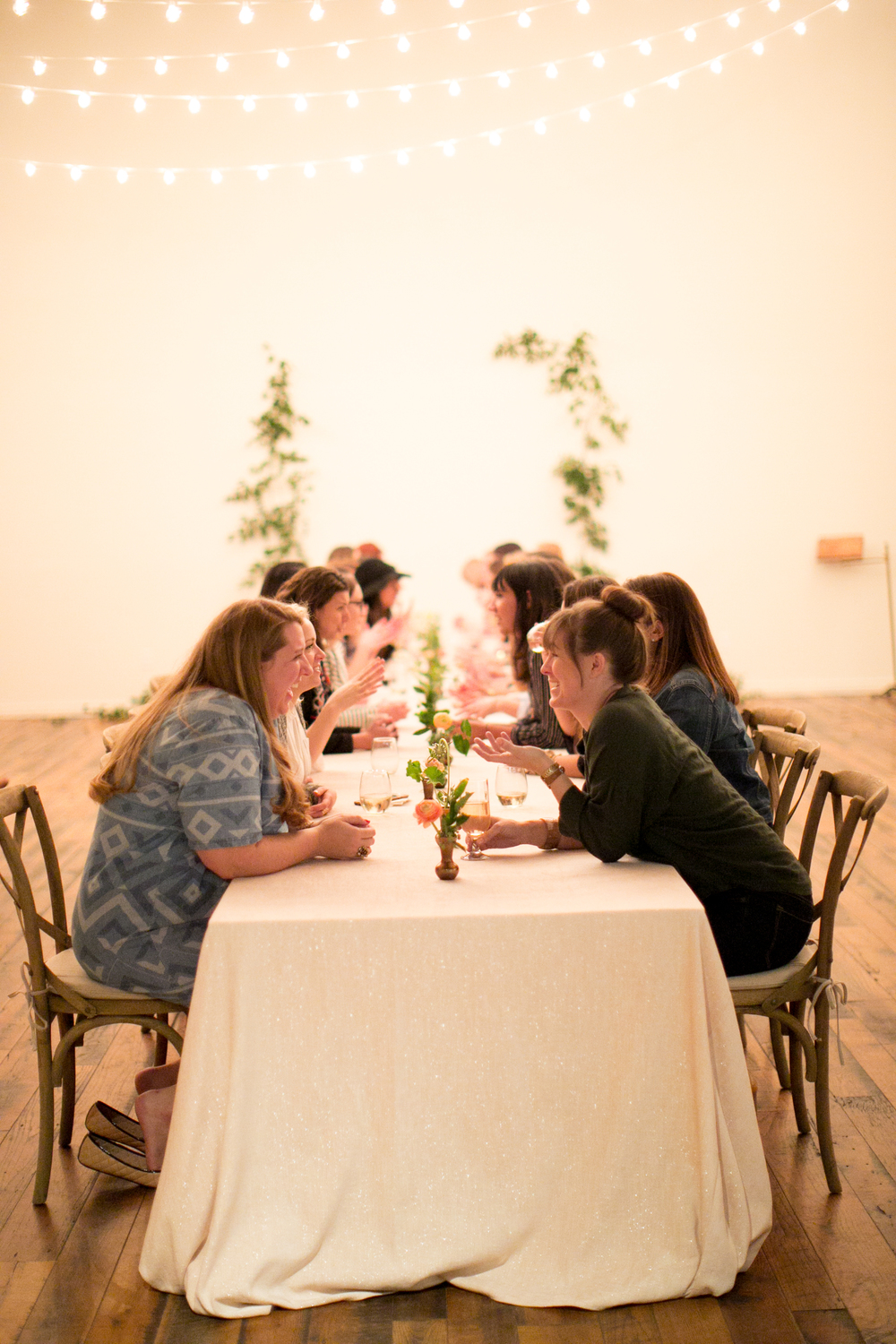 Community over competition-workshop for creatives-school of styling-women entrepreneurs-small business owners-tablescape-table styling-dinner party inspiration-reception inspiration-indoor eating-