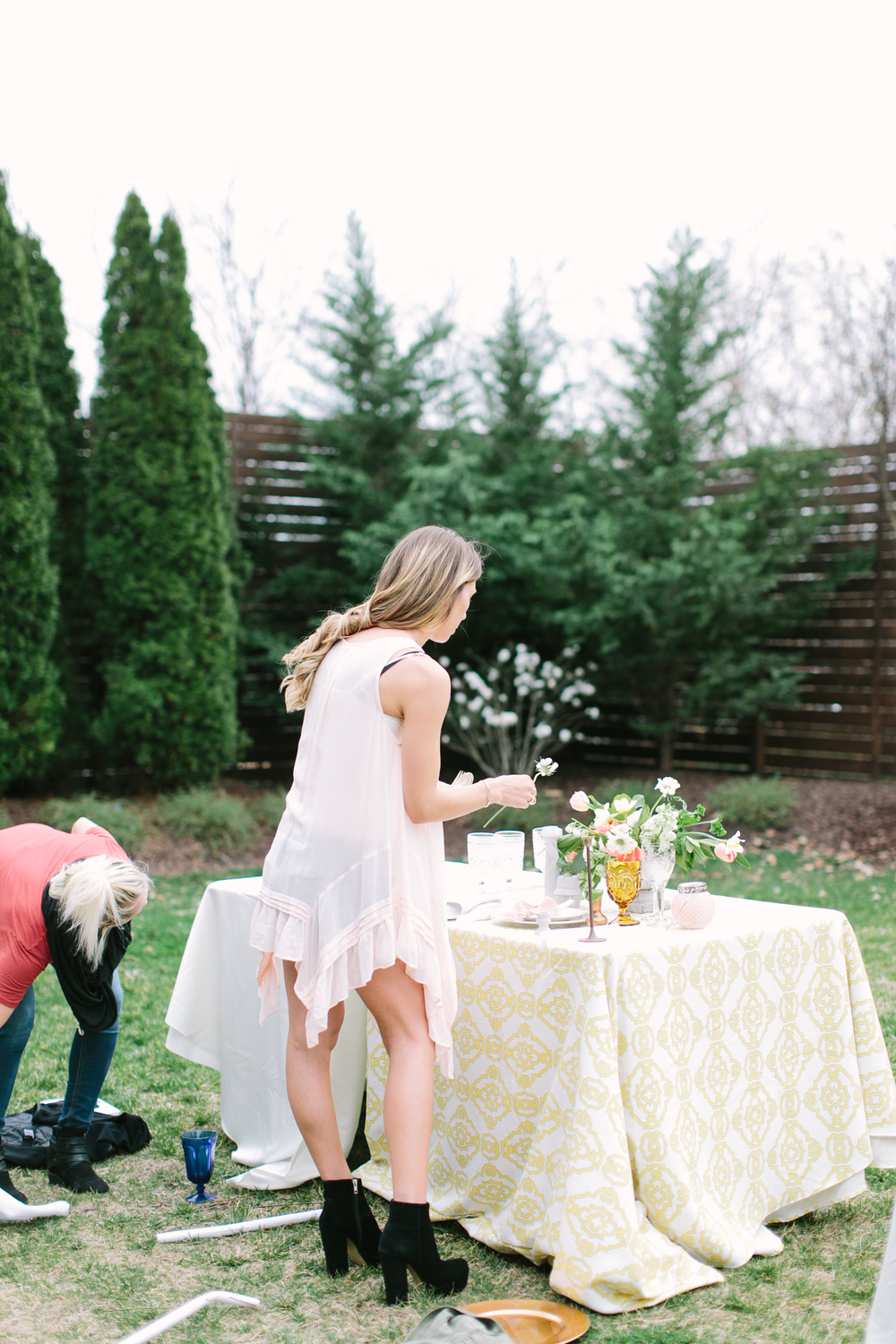 Floral design-workshop-creatives-entrepeneurs-outdoor workshop-nashville-styling inspiration-
