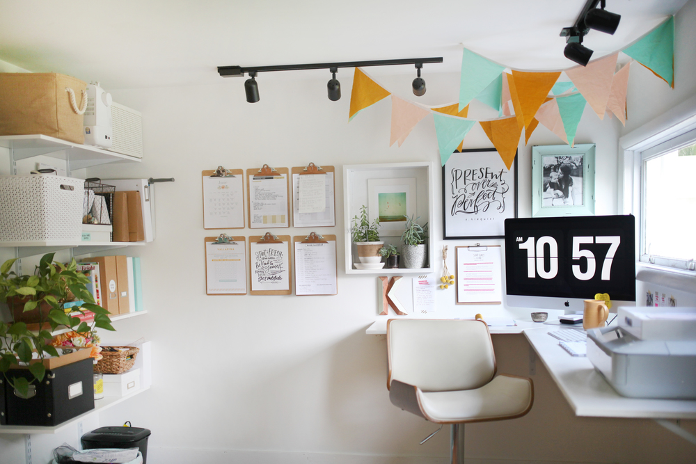 Home office design inspiration - The School of Styling Office Tours - Noblesville, Indiana - Small business owners - Vallarina Creative -