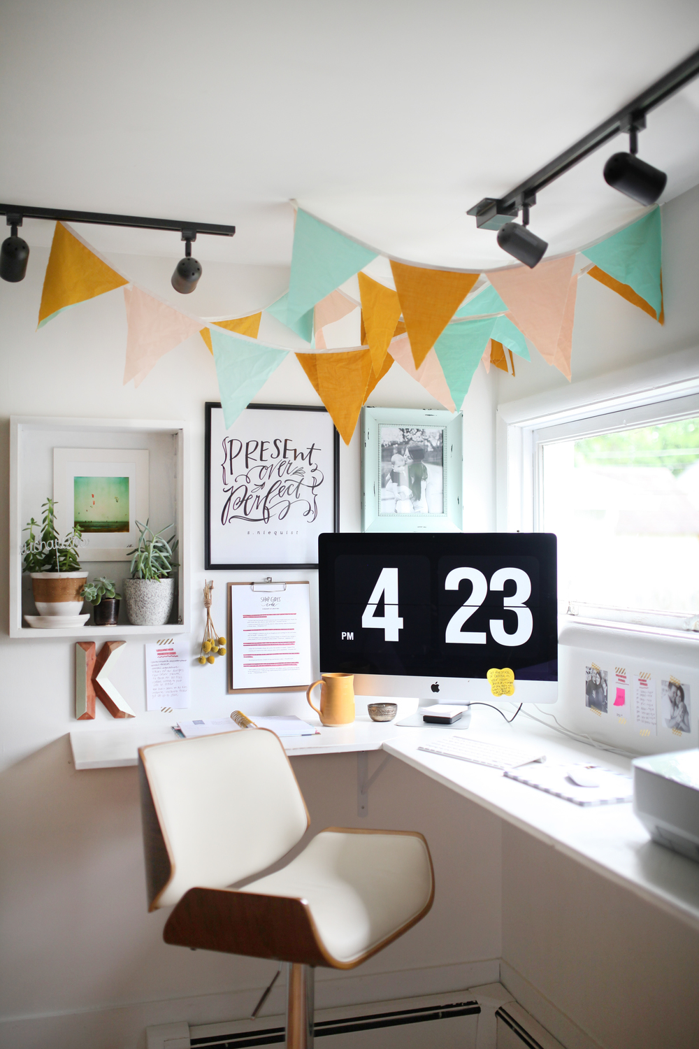 Wall Decorations For Office 7 fun office wall decor ideas httpblogofficezillacom Home Office Ideas Creative Office Space Present Over Perfect Wall Decor Wall