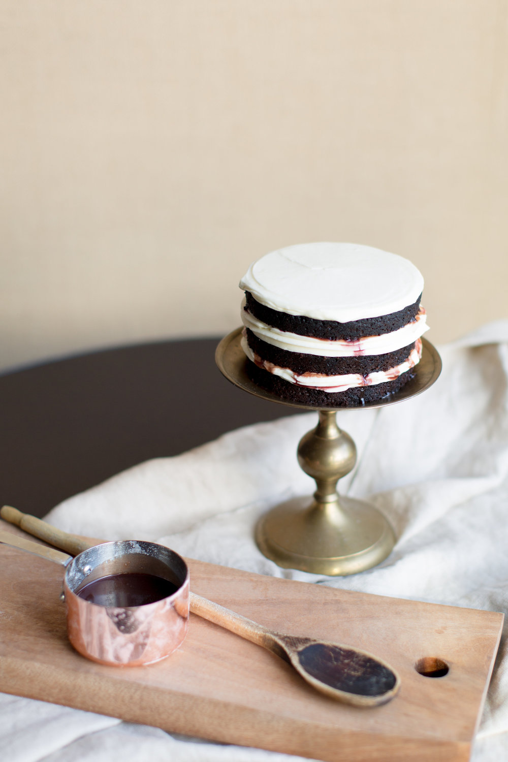 Baking with red wine | Cake Bloom + Panglass Collaboration | Pinot Noir Caramel Sauce | The School of Styling - http://www.theschoolofstyling.com