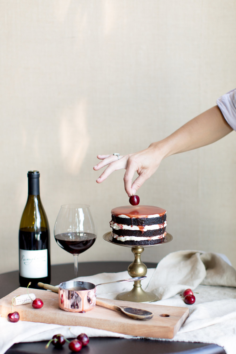 Food styling | Baking with red wine | Cake Bloom + Panglass Collaboration | Pinot Noir Caramel Sauce | The School of Styling - http://www.theschoolofstyling.com