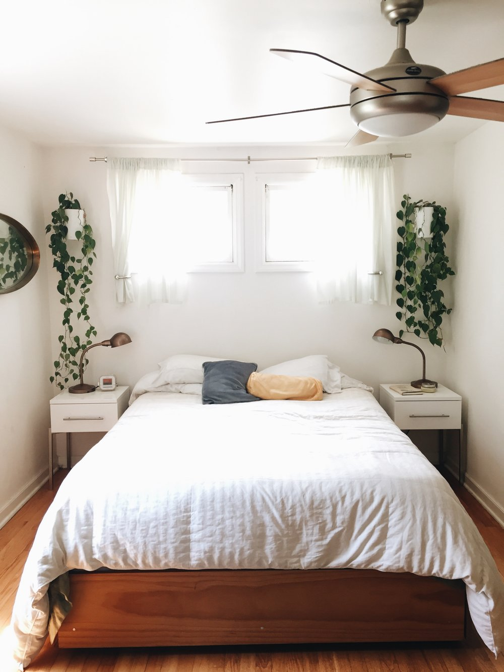 Home tour bev weidner the school of styling for Minimalist bedroom on a budget