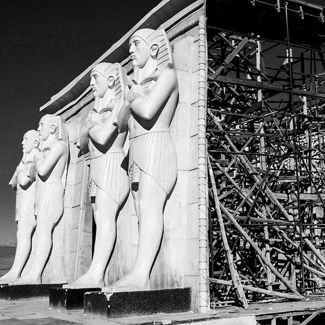 """""""Artificial History"""" (#Ouarzazate, #Morocco 2005) Bad restored masterpieces? Not at all. At the Atlas Corporation Studios, history is """"recreated"""" on sets for movies like Gladiator, Alexandre, Prince of Persia, … . . . #praeteriens #blackandwhitephotography #blackandwhite #bnw #bw #monochrome #studios #moviesets"""