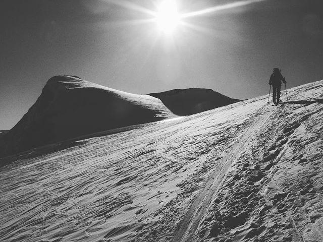 Chamonix-Zermatt, la Haute Route 2010 (2/3). Walking on the moon. Thinking. #chamonix #zermatt #ski #alps #mountains #outdoor #hauteroute #moon #apollo11