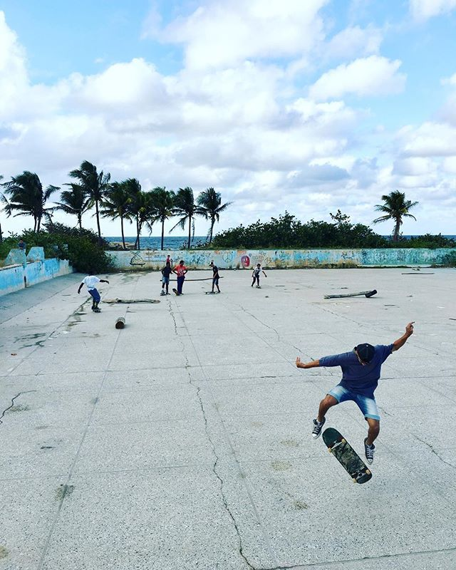 «Skate or die» in La Havana, Cuba. An old soviet swimming pool transformed into a skatepark. #productionlife #cuba #lahavana #photoshoot #skate #ruins