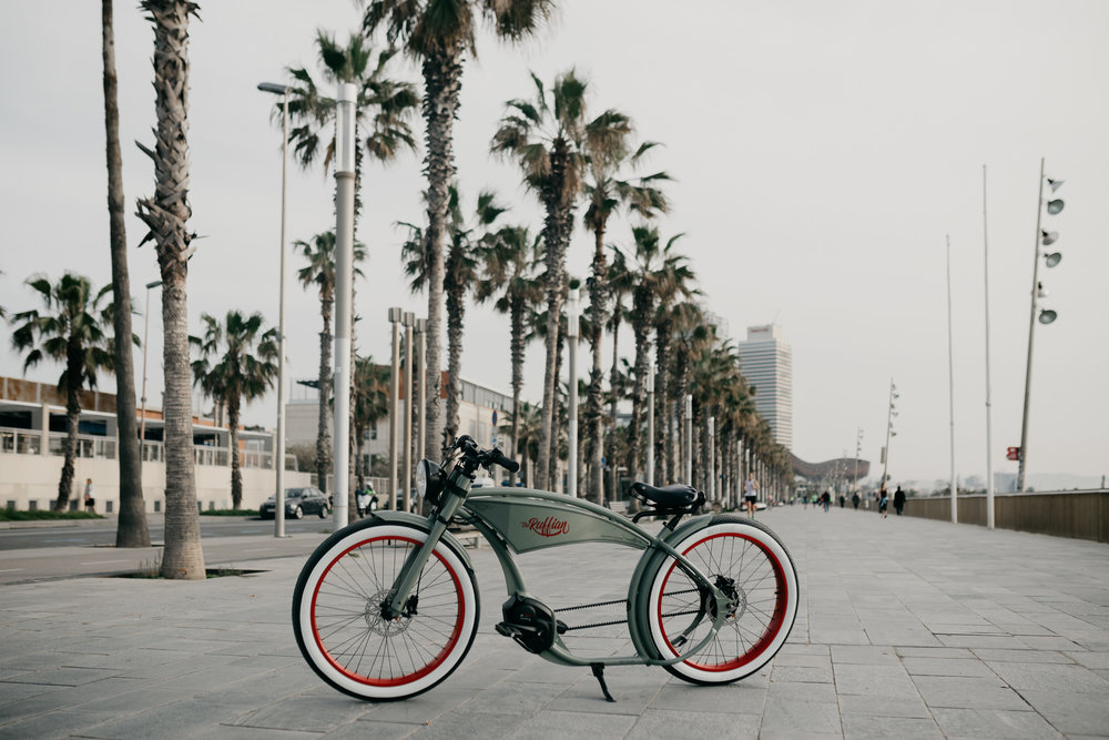 Ruffcycles - In 2017 the client decided to make Roadtrips to take all the pictures and videos needed for advertising in the following year. So we have been in travelling the West Coast in California for 9 Days in 2017 and spend four days in Barcelona 2018 to create and visualize the content.SEE MORE