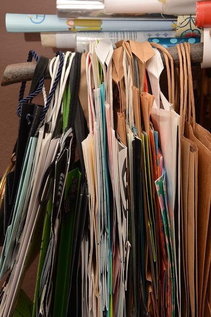 bags-1931738_640.jpg