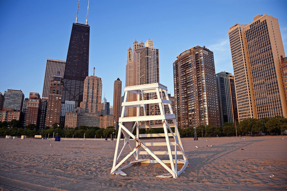 Oak-Street-Beach-Chair-Day-Chicago.jpg