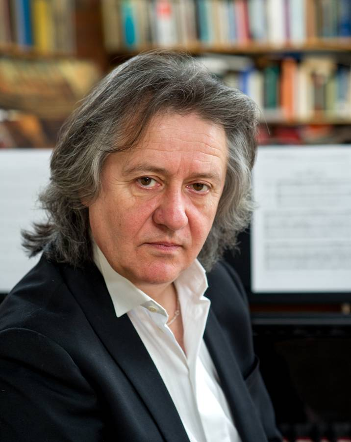 STEPHEN BARLOW CONdUCtor