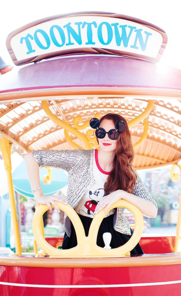 Disneyland_Summer.png