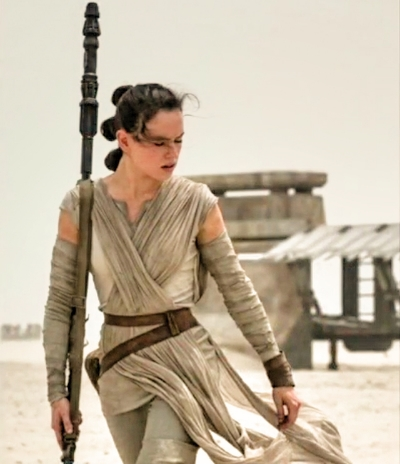 Daisy Ridley Star Wars The Force Awakens Photo by newsarama.com
