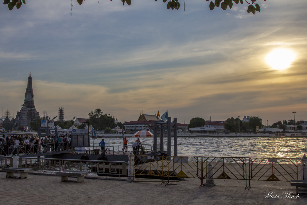 The view of Wat Arun during the sunset.