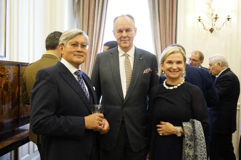 12-octubre-2017-Embajada-Londres-78-768x512.jpg