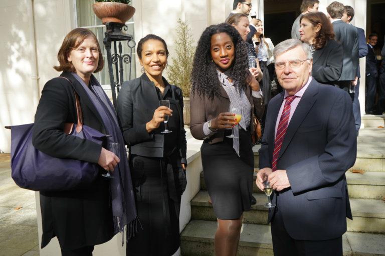 12-octubre-2017-Embajada-Londres-65-768x512.jpg