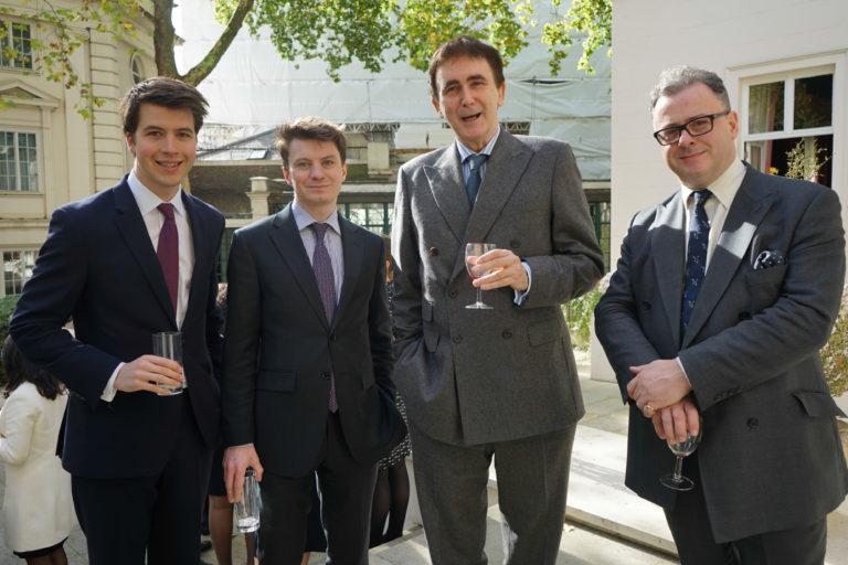 12-octubre-2017-Embajada-Londres-63-768x512.jpg