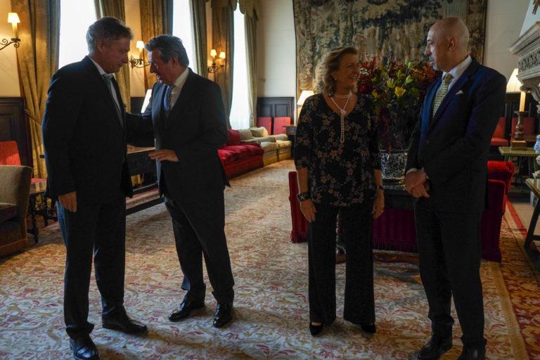 12-octubre-2017-Embajada-Londres-27-768x512.jpg