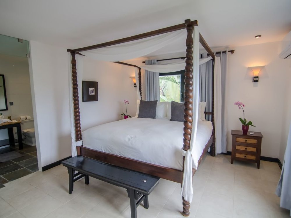 beach house bed suite 2.jpg