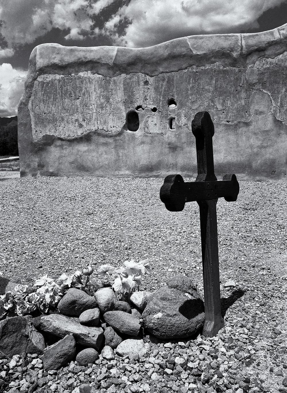 Mission cross, Tucson.jpg