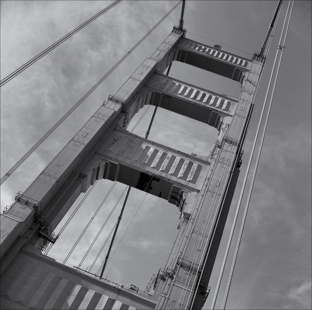 Golden Gate Bridge tower.jpg