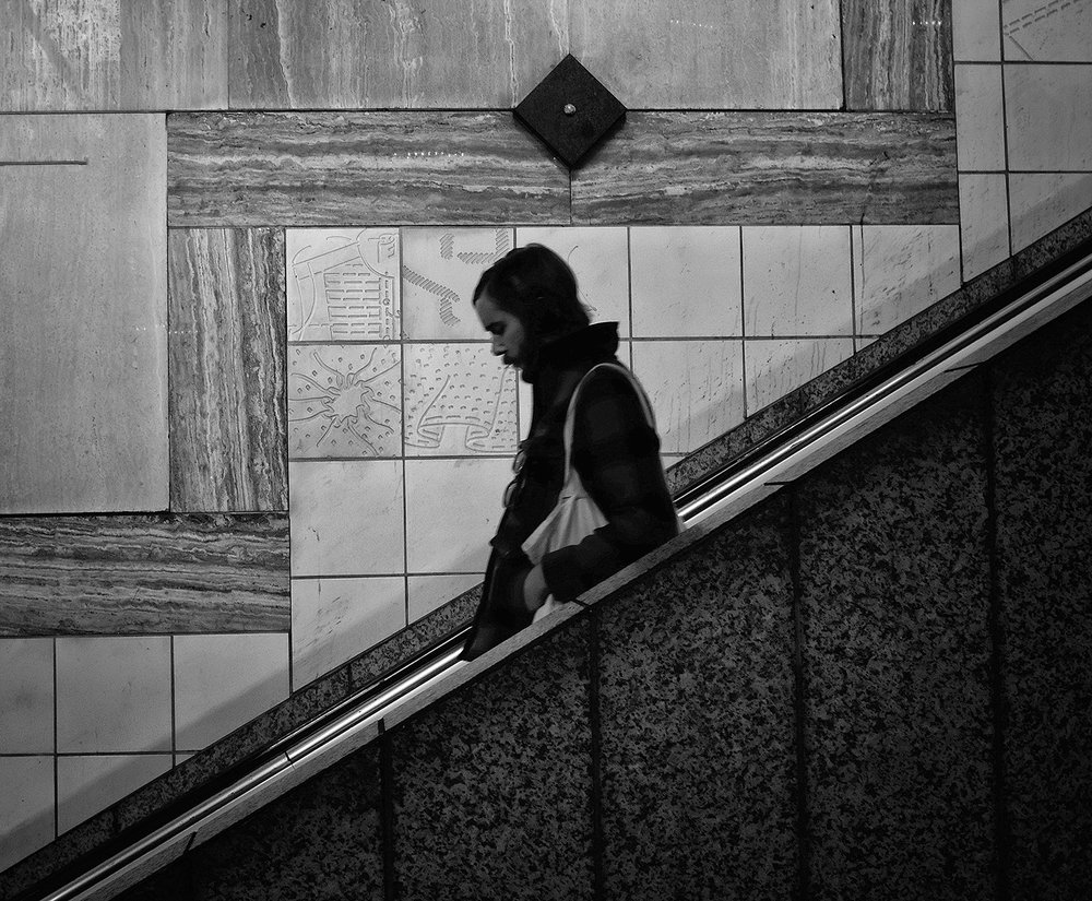 Down escalator.jpg