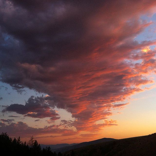 Went for a little evening hike in Idaho... #nofilter #iknowright #sunsetwars