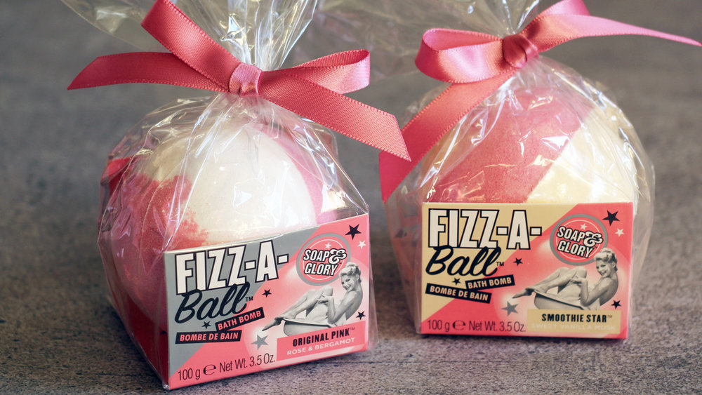 Soap-&-Glory-Fizz-a-Ball-Bath-Bomb
