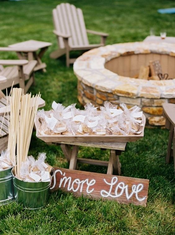Source: Brides.com Catering: 24 Carrots