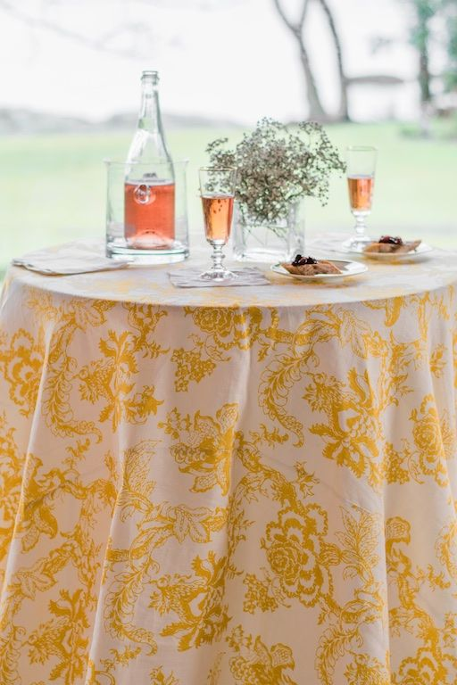 Source: Faire La Fete Linens