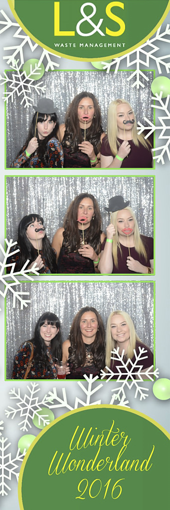L&S Waste Xmas Photobooth DS192237.jpg