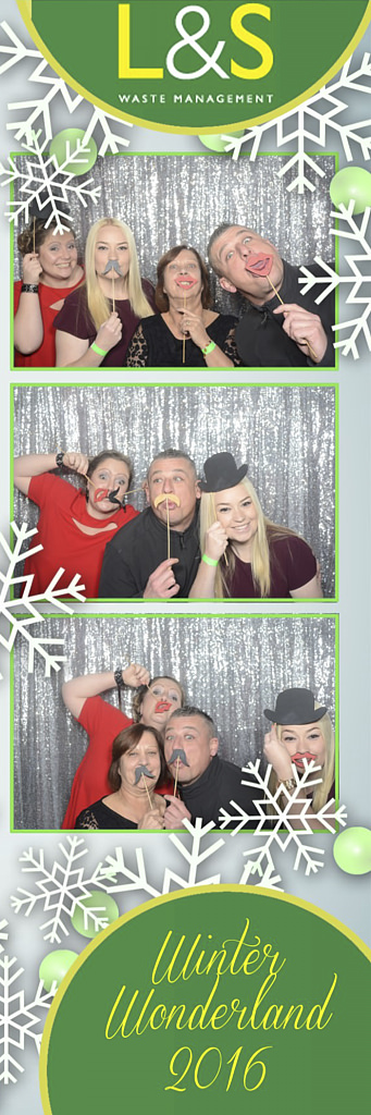 L&S Waste Xmas Photobooth DS193535.jpg