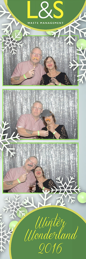 L&S Waste Xmas Photobooth DS194300.jpg