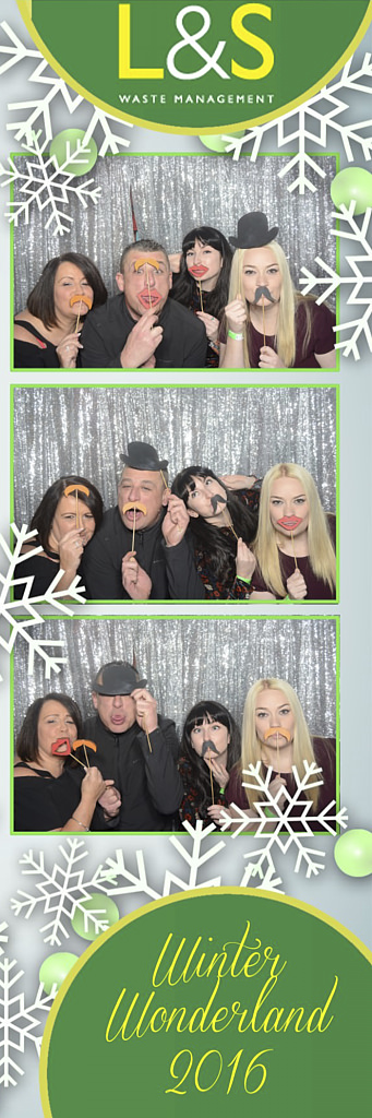 L&S Waste Xmas Photobooth DS205428.jpg