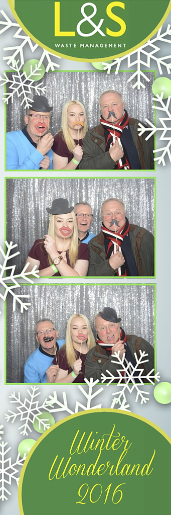 L&S Waste Xmas Photobooth DS211626.jpg