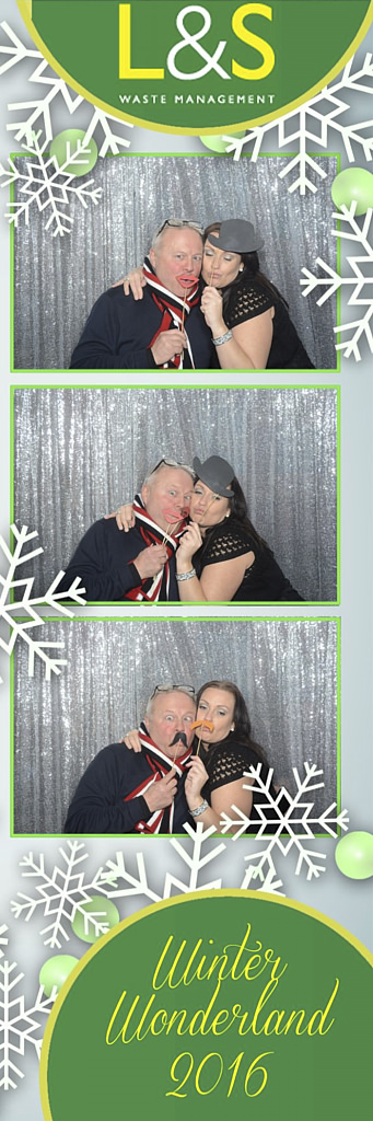 L&S Waste Xmas Photobooth DS213501.jpg