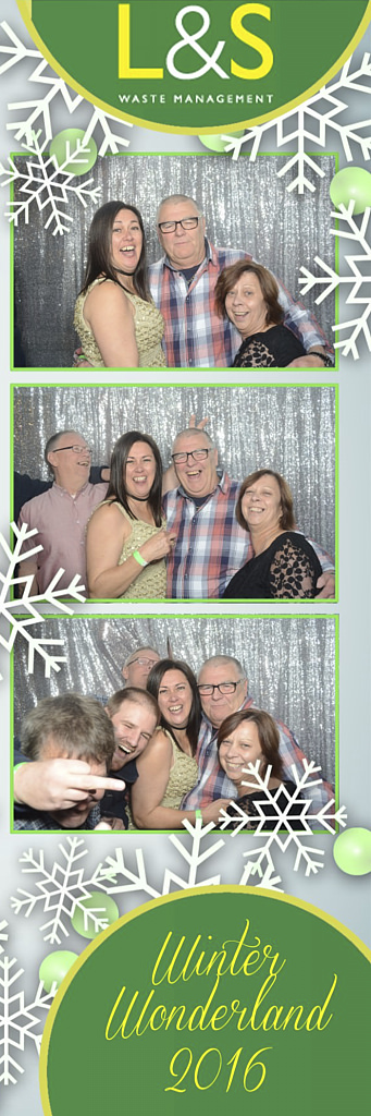 L&S Waste Xmas Photobooth DS221250.jpg