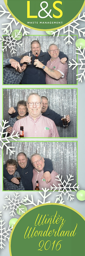 L&S Waste Xmas Photobooth DS221425.jpg