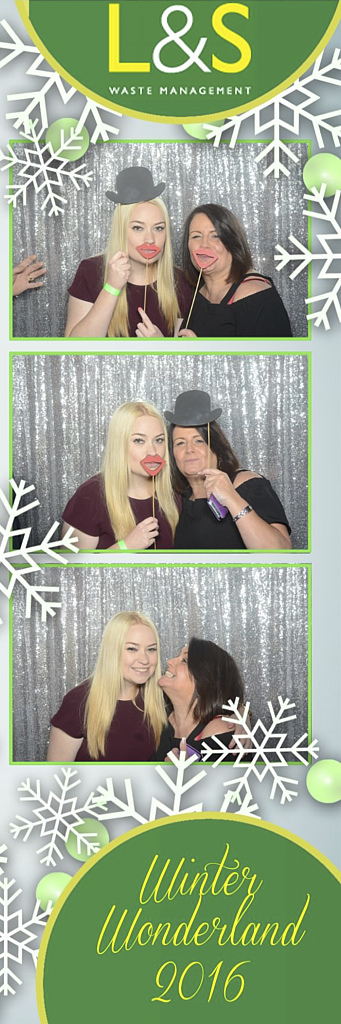 L&S Waste Xmas Photobooth DS221547.jpg