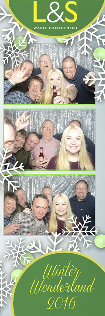 L&S Waste Xmas Photobooth DS221724.jpg