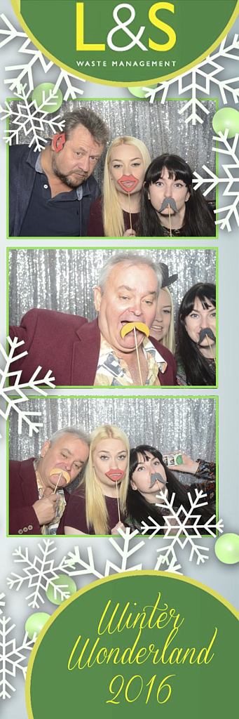 L&S Waste Xmas Photobooth DS224422.jpg