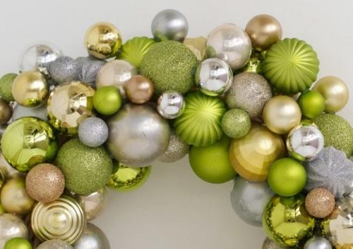 green ornament wreath.jpg