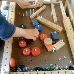 Woodworking-project-for-kids-homemade-pinball-machine.jpg