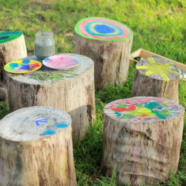 Outdoor-activities-with-kdis-Paint-on-stump-or-tree-trunks.jpg