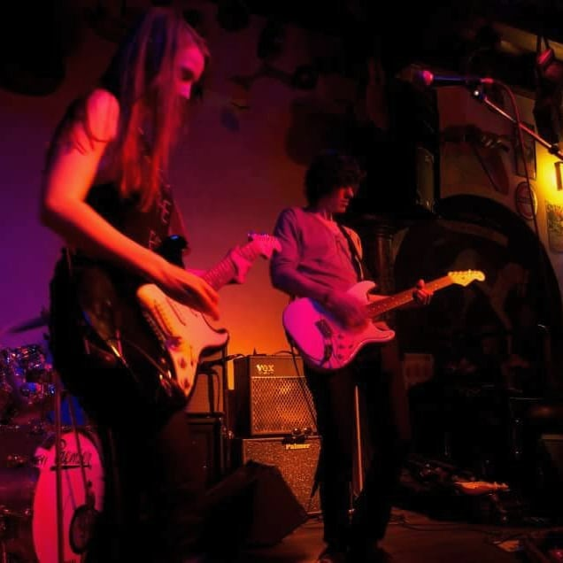 #tbt #saturday we play at podium Cafe de Graauwe Hengst #schiedam just like 6-7 years ago #standup69 #standup69band #throwback #band #music #cafe #podium #longtimeago #goodoldtimes #whenwewereyoung #gettingold #skiffa #jenever #fender #stratocaster #fenderstratocaster