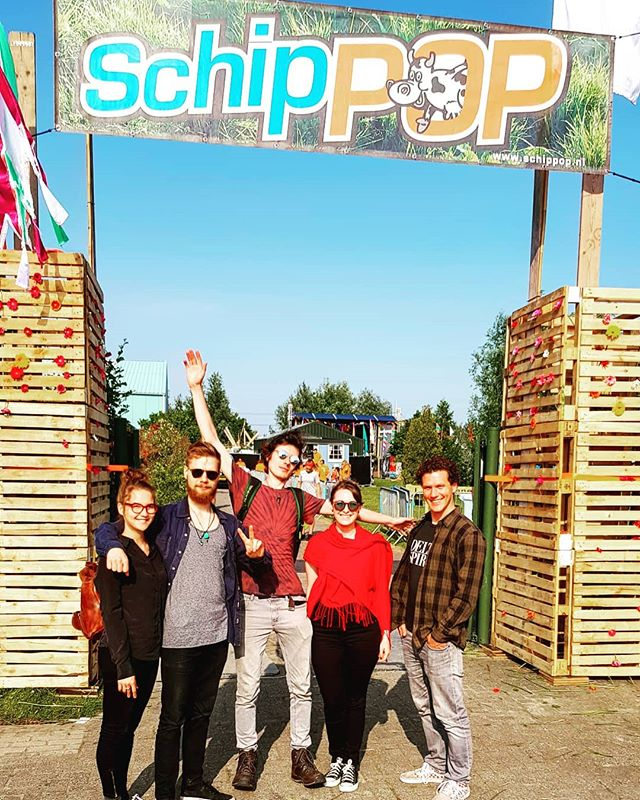 Schippop!!!! #schippop #schipluiden #festival #steckstage #show #live #music #wehavearrived #whereisbruno #bestkeptsecret #team #team69 #finland #usa #boston #international #wespeakenglish #multiculti