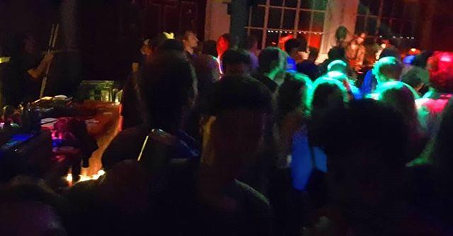 Selfie with @shaemlessofficial Thanks for organizing this awesome event @breblen #nijmegen #nmgn #schaamtelozenachten #shameless #shaemless #diy #live #show #gig #superhot #sweat #sweatingmypantsoff #selfie #wemakeveryniceselfies #selfiequeen #closeenoughforrocknroll #tomorrow #paracetamol #hrvatska #england