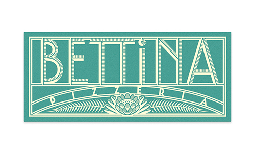 Bettina_BusinessCard_MockUp_01_Small.jpg